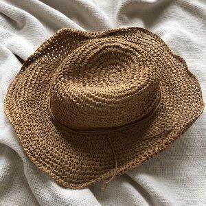 NWOT Hinge open weave floppy straw hat